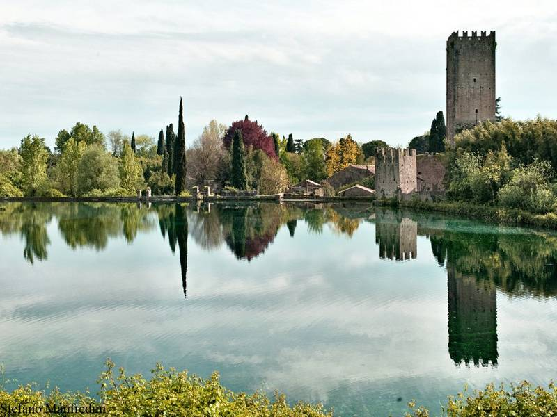 The garden of ninfa the most beautiful italian garden for Giardini di ninfa sermoneta orari