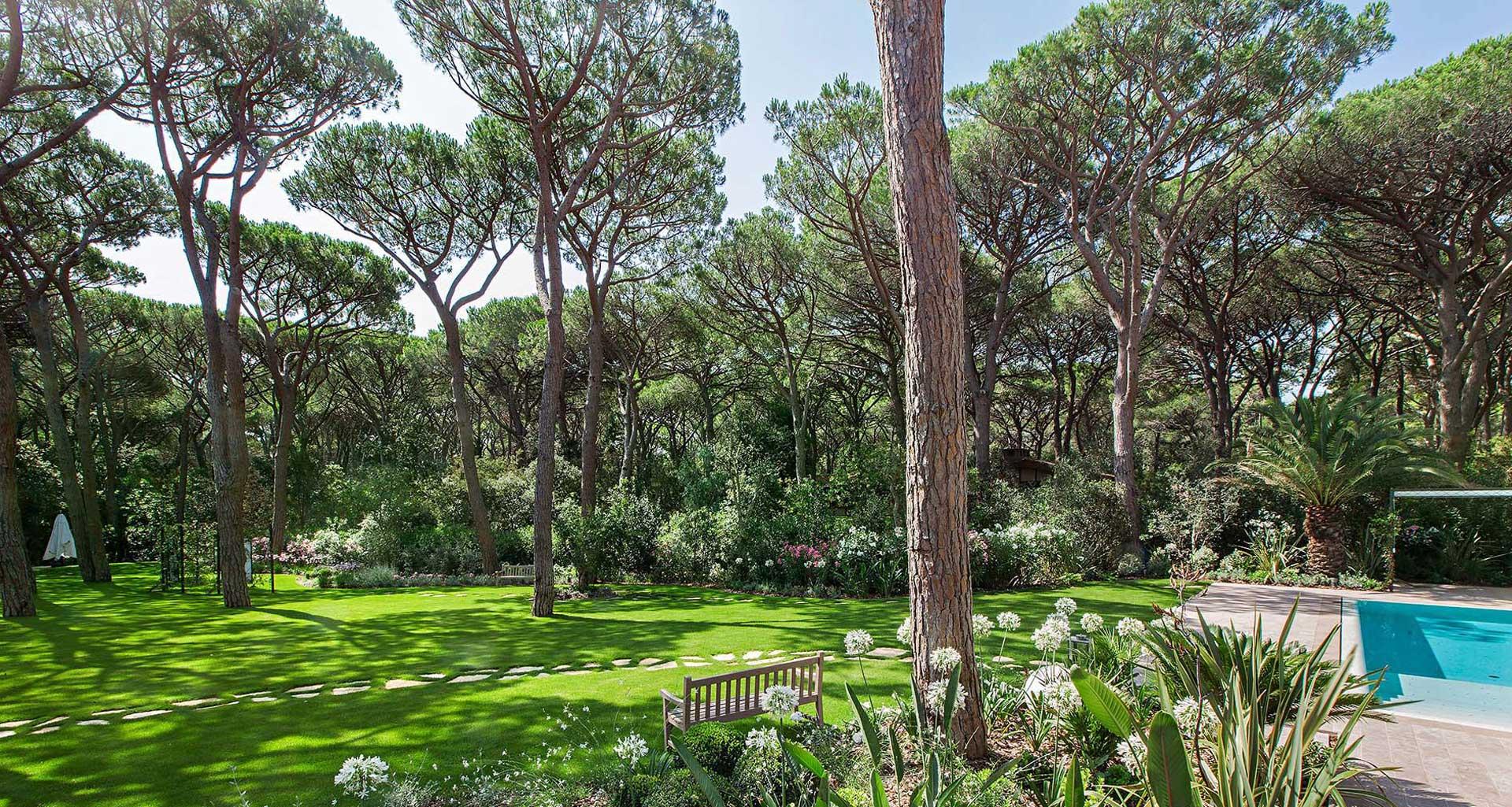 Restauro giardino storico in centro citt sandrini green for Progettazione giardini cremona